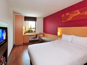 The simple, clean & comfortable room.  Photo credit: ibis.com