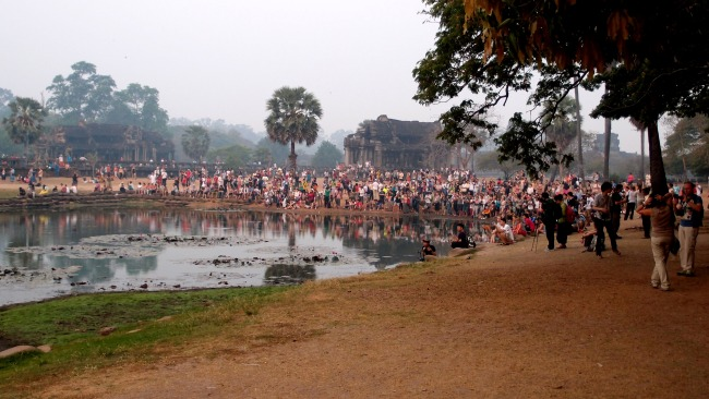 Ang Kor Wat the Crowd https://berriesenthusiast.files.wordpress.com